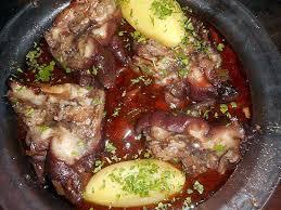 cuisiner pied de cochon recette de daube de pied de porc