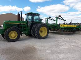 john deere 4955 hooked up to 30 row 1780 corn planter john deere