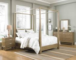 King Size Canopy Bed Frame Natural Mahogany Wood Bed With Canopy And 4 Poles Placed On