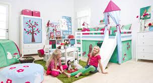 kinderzimmer mit hochbett komplett kinderzimmer komplett einrichten mit möbeln betten de