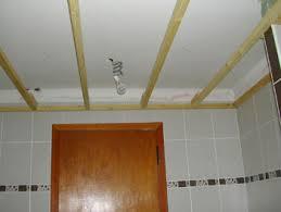 lambris pvc pour cuisine lambris salle de bain amusant lambris pvc salle de bain plafond