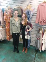 fashion boutique lola boutique brings fashion to virginia