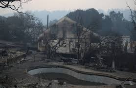 Wildfire Country Club Canada by Shifting Conditions Poor Communications Complicate California