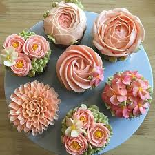 Cupcakes Design Ideas Best 25 Flower Cupcakes Ideas On Pinterest Pretty Cupcakes