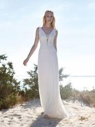 brautkleider fã r strandhochzeit hochzeit foto braut kleid draussen hochzeitsportraits