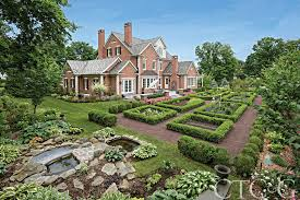 Hit The Floor Quebec - 12 gorgeous connecticut homes that hit the market in 2015