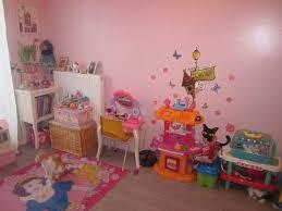 voici la chambre de photo 3 4 donc voici les jouets