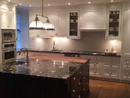 cuisine et comptoir cuisine comptoir granit quartz surface solide comptoir multi