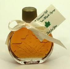 maple syrup wedding favors vermont maple syrup medallion shaped wedding favor pieces of