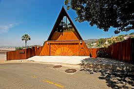 Frame A House by File Nickypanicciaframehollywoodhillsfront Jpg Wikimedia Commons