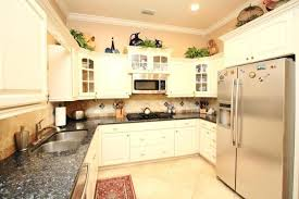 ceramic tile ideas for kitchens country kitchen floor tile ideas sd0pb2y6bop1000000000