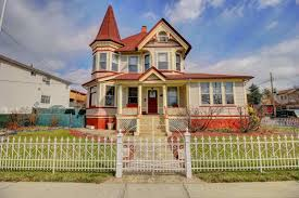 Queen Anne Style Home Staten Island Victorian With Fairy Tale Vibe Seeks 1 5m Curbed Ny