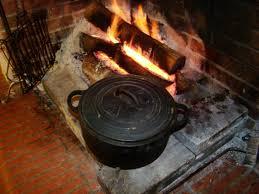 chaudron pour cuisiner une marmite provençale au feu de bois la cachina