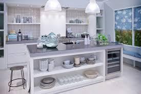 plan de travail avec rangement cuisine gain de place dans la cuisine découvrez 68 astuces et idées de