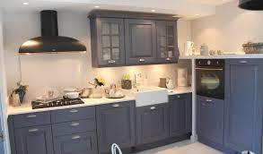 repeindre une cuisine en bois repeindre meuble cuisine bois quasiment surmesure les rangements de