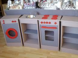 cuisine enfants en bois fabriquer cuisine bois enfant 13 une maison design bahbe com