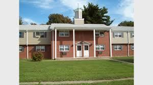 1 Bedroom Apartments In Windsor Ontario Deerfield Windsor Apartments For Rent In Windsor Ct Forrent Com