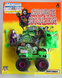 rare vintage 1993 matchbox monster wars grave digger figure