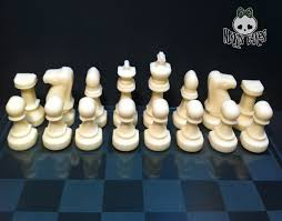 White Chess Set Chocolate Chess Set Full Set 32 Pieces Of Solid Chocolate