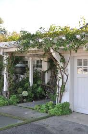 Pergola Ideas Uk by Best 20 Garage Pergola Ideas On Pinterest Garage Trellis Diy