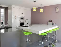 ilot central dans cuisine ophrey com cuisine moderne avec un bar prélèvement d