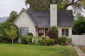 Cottage House Pictures by In Pasadena Storybook Cottage With Mountain Views Seeks 620k