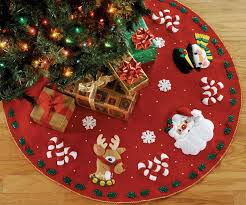 santa friends 43 bucilla felt tree skirt kit 86023