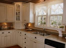 Distressed Kitchen Cabinets Best 20 White Distressed Cabinets Ideas On Pinterest Country