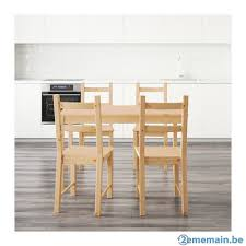 table cuisine pin massif table cuisine en pin massif avec 4 chaises assorties a vendre