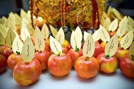 diy thanksgiving table decorations apples place cards