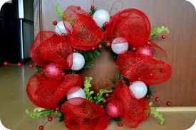 christmas mesh wreaths the sparacino chronicles christmas deco mesh wreath tutorial