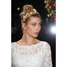 latest holiday wood hairstyles 19 holiday hair ideas for every type of festivity allure
