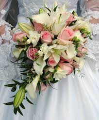 bouquet of lilies wedding bouquet with lilies and roses bouquet of white