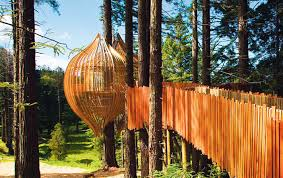 three house best treehouses amazing tree house vacations