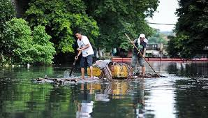 Water Challenge Asian Cleaning Up The Pasig River In Manila Philippines Asian