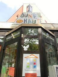 Haus Berlin S T E R N Buntes Haus Berlin Hellersdorf