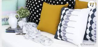 canapé coussins une sélection de coussins originaux pour habiller canapé