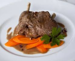 cuisiner le chevreuil sans marinade civet de chevreuil facile recette de civet de chevreuil facile