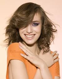 feathered mid length hairstyles shoulder length bob with feathering