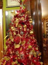 White Christmas Tree With Red And Gold Decorations Xmas Tree Decorations Red And Gold How To Decorate A Christmas