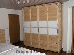 Schlafzimmer Conforama Zirbenholzschrank Mit Schiebetüren Und Glaseinsätzen