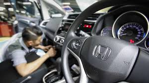 honda cars service malaysian dies after honda airbag ruptures in minor car