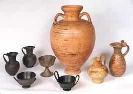 vasi etruschi i greci gli etruschi e il vino se ne parla in una conferenza al