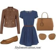 what color accessories look good with a navy blue dress updated