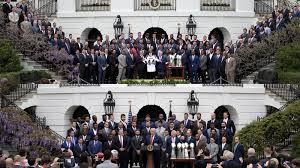 White House Tours Obama Photos Trump Honors The Patriots At The White House Only Half