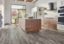 is vinyl flooring better than laminate laminate vs vinyl difference between laminate and vinyl
