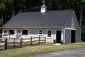 100 gambrel roof pole barn 24x24x10 pole building