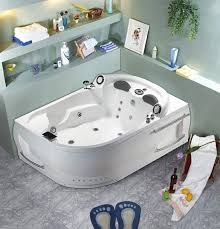 Deep Whirlpool Bathtubs Best 25 Two Person Tub Ideas On Pinterest Locker Room