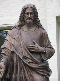 christian statues sculpture of jesus jesus statue christian photograph