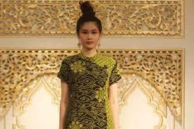 Batik Danar Hadi tetap elegan dengan batik bernuansa imlek radarsemarang